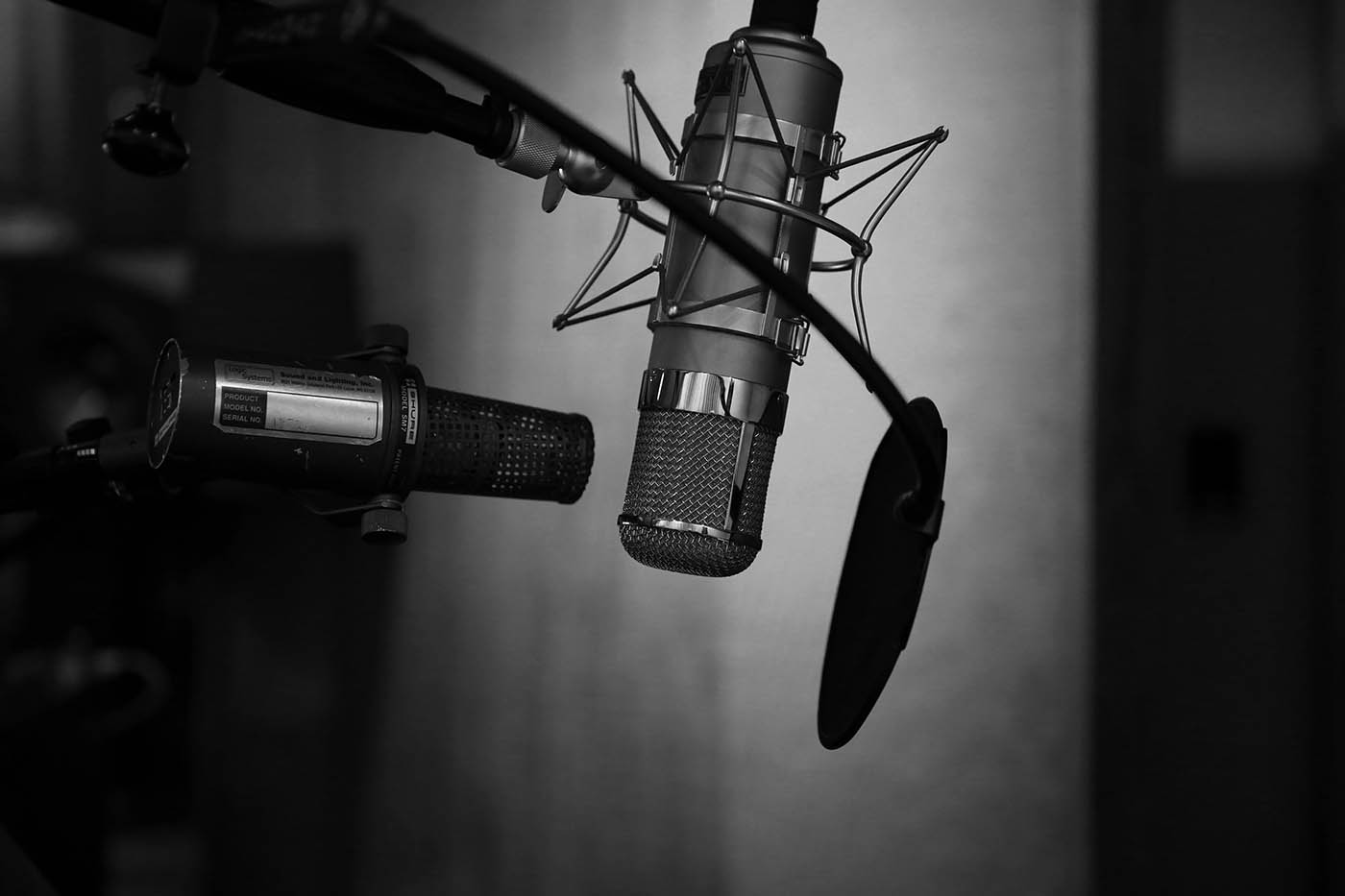 8 Helpful Podcasts Every Writer Should Listen To