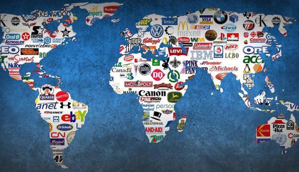Mapa mundi com logos das multinacionais