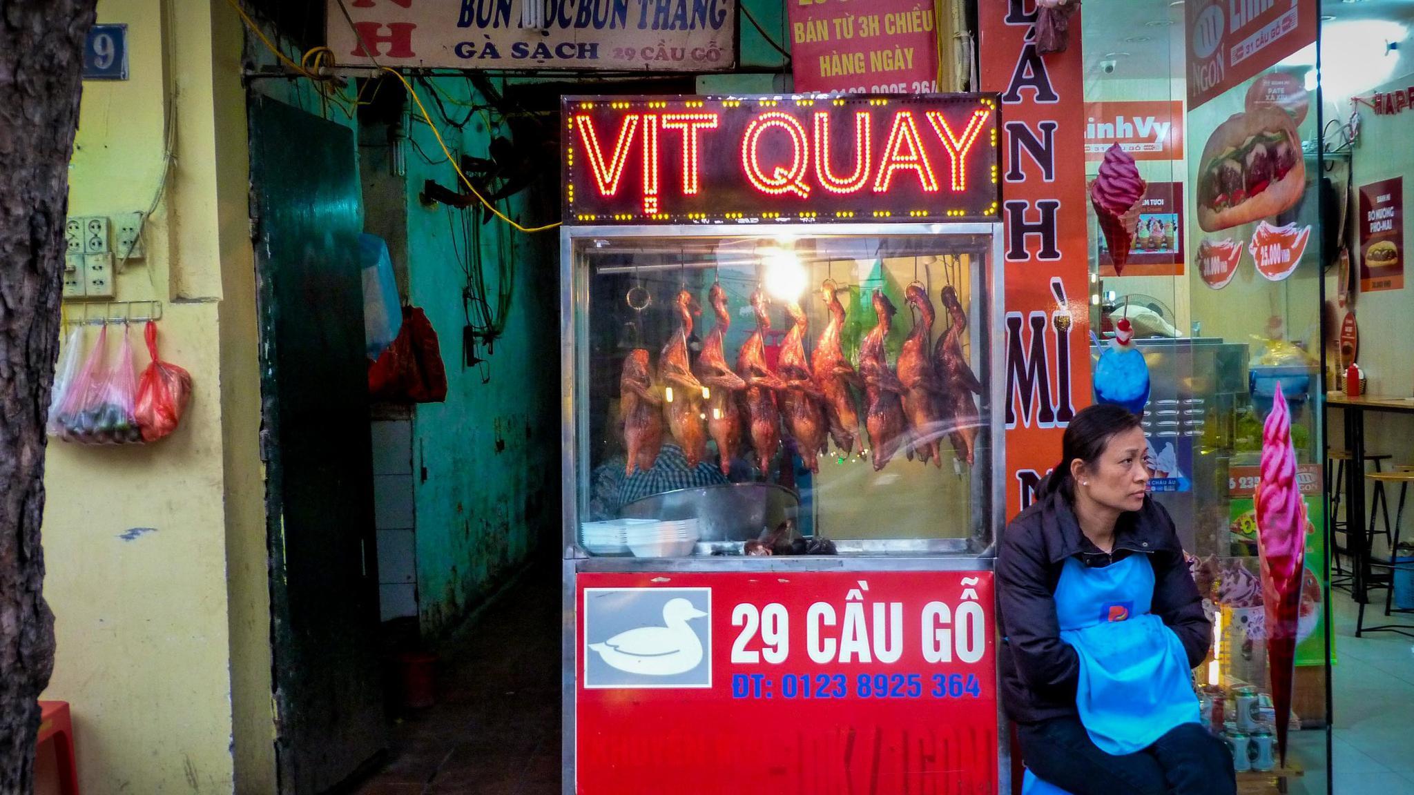 Ha Noi street food vendor